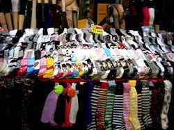 靴下ワゴンセール。yonsamaに始まり、色々なキャラクターが隠れてます。