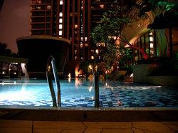 タイムズスクエア15階にあるプール
