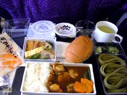 シンガポールのチャンギ空港に向かう時の機内食
