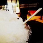桃の果汁シロップかき氷